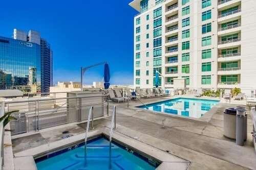 Acqua Vista Pool, Little-Italy, San Diego