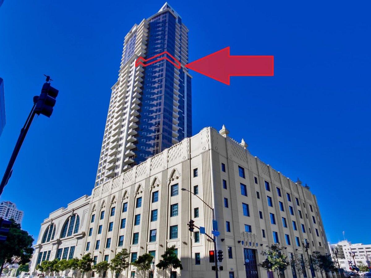 Buy Of The Week 30th Floor Corner Unit In Electra